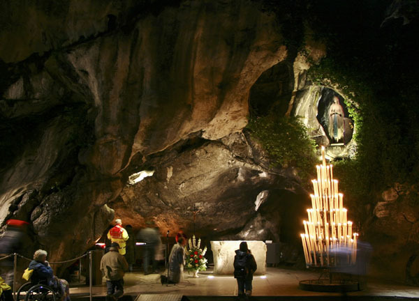 grotte-lourdes-b.jpg
